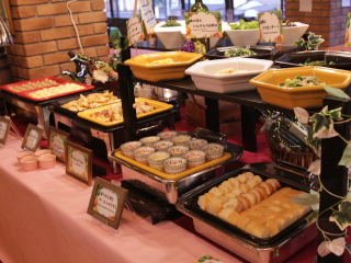 【新サービス開始】ピザかパスタをご注文で「前菜ビュッフェ」&「ドリンクバー」が無料!